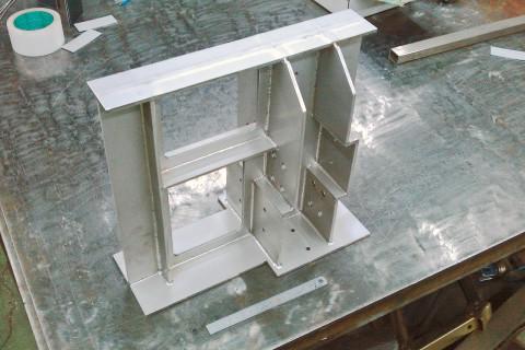 機械装置架台