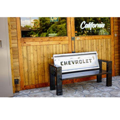 テールゲートベンチ(デザイナーズコンセプトテーブル) - 愛知県名古屋市で金属加工の有限会社ニーズ工業製作