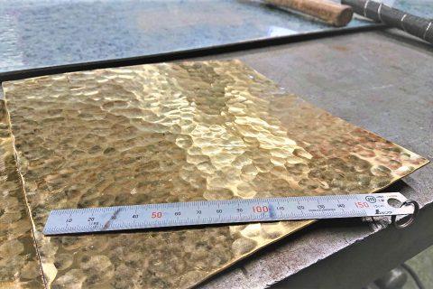槌目真鍮板 (装飾品)