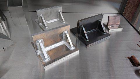 アルミ・ステンレス・鉄のブラケット - 愛知県名古屋市で金属加工の有限会社ニーズ工業製作